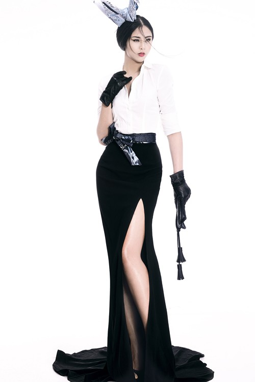 Ngọc Hân diện thời trang 'giấy báo' cực chất khoe vẻ quyến rũ - ảnh 9