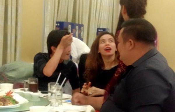 Hồ Ngọc Hà ăn uống, cười tươi giữa scandal 10 nhãn hàng tẩy chay - ảnh 4