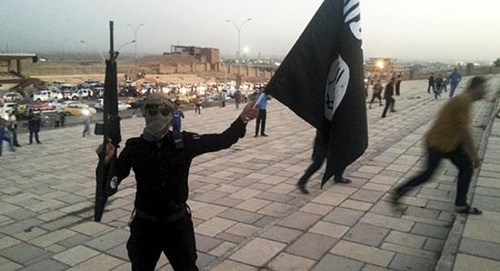 IS chế tạo bom nhờ nguồn cung cấp từ Thổ Nhĩ Kỳ, Iraq - ảnh 1