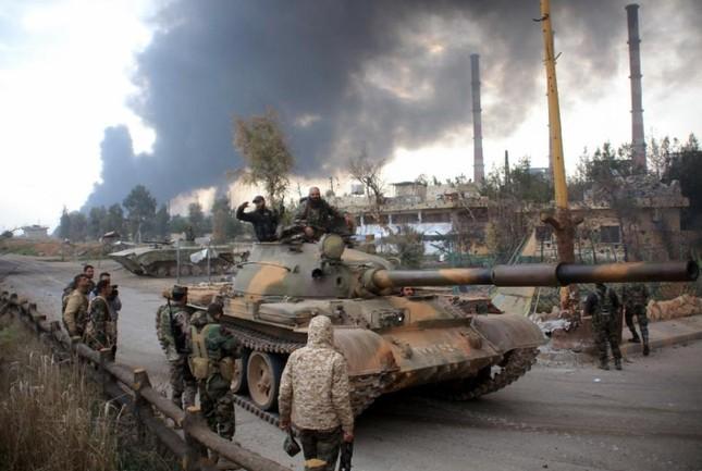 Tình hình Syria: Quân đội Assad giành lại thị trấn cửa ngõ Aleppo - ảnh 1
