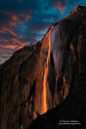 Vẻ đẹp kỳ thú của thác lửa hình đuôi ngựa ở Mỹ - ảnh 4