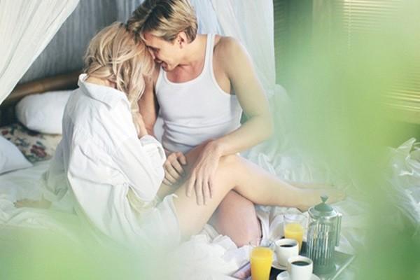 Những lợi ích khó tin của việc 'yêu' vào buổi sáng - ảnh 1