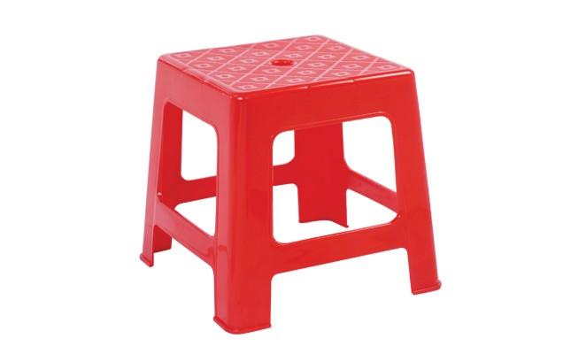Vì sao trên mặt ghế nhựa luôn có một lỗ nhỏ hình tròn? - ảnh 1