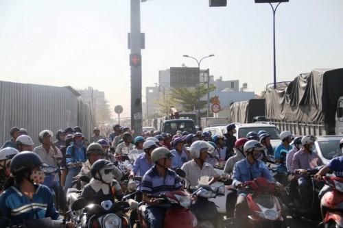 Xe ben 'húc' 7 xe máy khiến nhiều người bị thương - ảnh 6