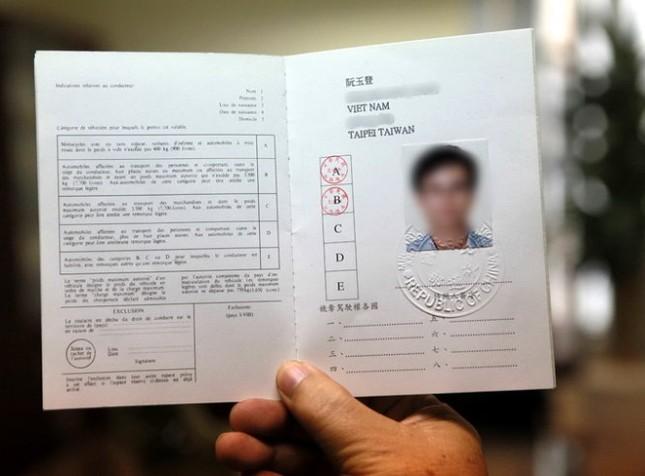Từ ngày 1/3, Hà Nội bắt đầu cấp giấy phép lái xe quốc tế - ảnh 1