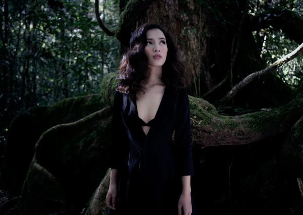Ái Phương diện cây hàng hiệu tiền tỷ lộng lẫy ra mắt MV ca nhạc - ảnh 3