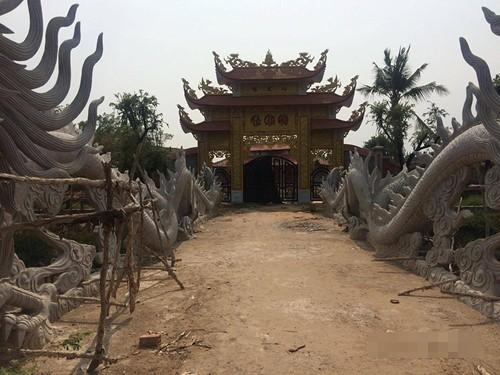 Hoài Linh phải nộp phạt 20 tỉ đồng nếu tiếp tục xây đền thờ Tổ? - ảnh 4