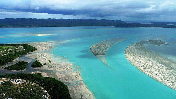 Khám phá những hòn đảo bí ẩn nhất thế giới - ảnh 1
