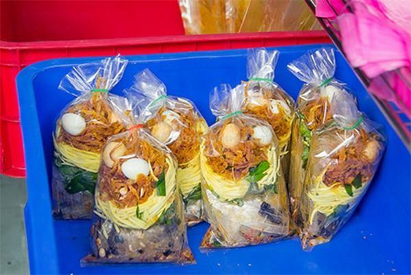5 món ăn vặt không thử sẽ 'tiếc hùi hụi' khi tới Sài Gòn - ảnh 1