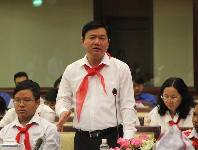 Bí thư Thành ủy Đinh La Thăng mong làm bạn với học sinh - ảnh 4