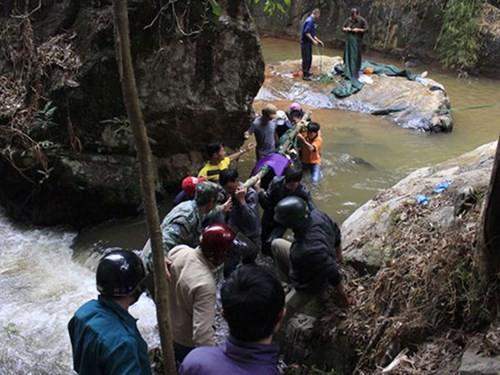 Có thể khởi tố vụ án 3 du khách Anh tử nạn ở Lâm Đồng - ảnh 1