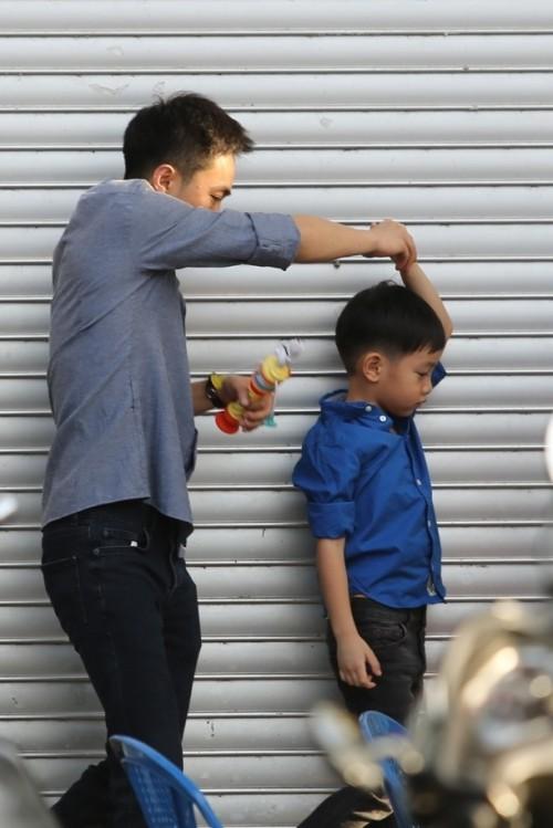 Hà Hồ - Cường Đô la nắm tay con trai giữa bão scandal - ảnh 2