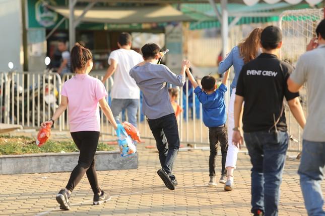 Hà Hồ - Cường Đô la nắm tay con trai giữa bão scandal - ảnh 4