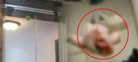 Chồng chết lặng thấy xác 2 mẹ con sau khi đi vệ sinh - ảnh 1