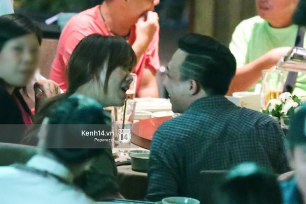Trấn Thành và Hari Won hôn nhau say đắm giữa đêm - ảnh 1