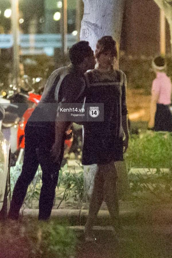 Trấn Thành và Hari Won hôn nhau say đắm giữa đêm - ảnh 3