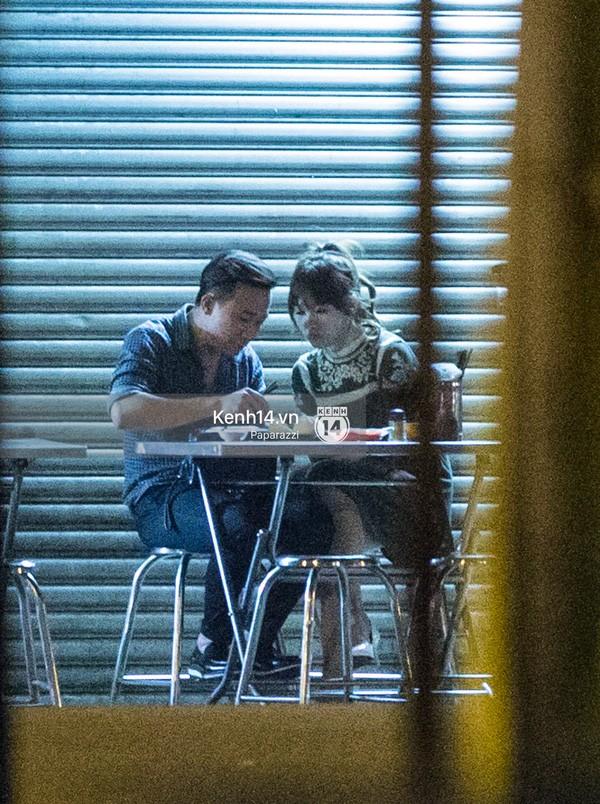 Trấn Thành và Hari Won hôn nhau say đắm giữa đêm - ảnh 8
