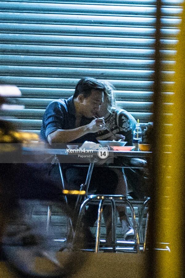 Trấn Thành và Hari Won hôn nhau say đắm giữa đêm - ảnh 9