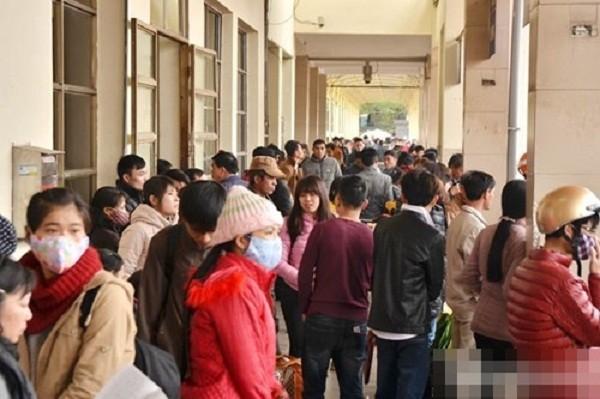 Hàng nghìn người chật vật rời Thủ đô dịp Tết Nguyên đán - ảnh 1