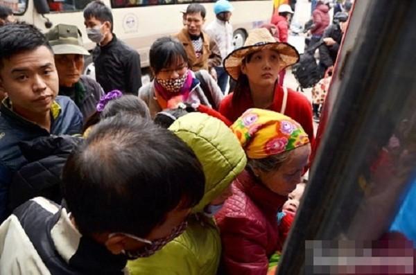 Hàng nghìn người chật vật rời Thủ đô dịp Tết Nguyên đán - ảnh 4