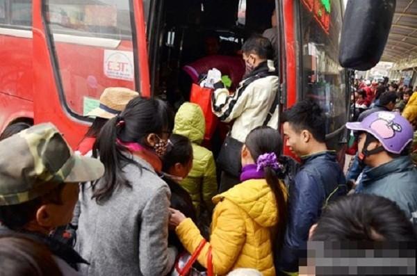 Hàng nghìn người chật vật rời Thủ đô dịp Tết Nguyên đán - ảnh 5
