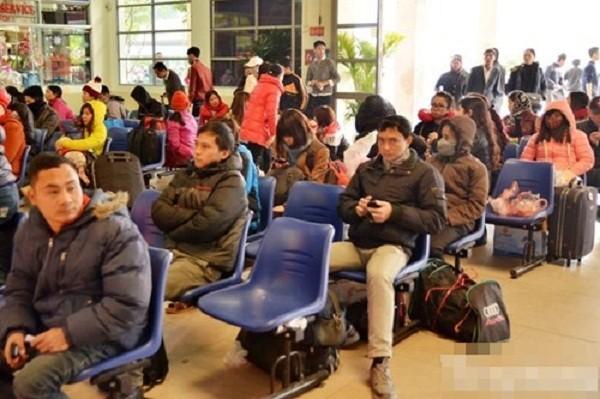 Hàng nghìn người chật vật rời Thủ đô dịp Tết Nguyên đán - ảnh 11