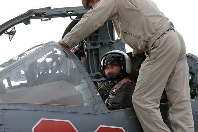 IS nã pháo khiến cố vấn quân sự Nga thiệt mạng ở Syria - ảnh 1