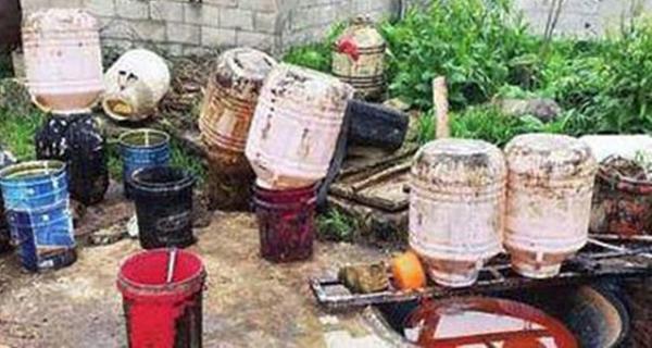 Phanh phui cơ sở thu mua và sản xuất dầu bẩn từ các nhà hàng TQ - ảnh 1