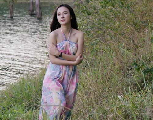 """Angela Phương Trinh """"khóa môi"""" Trường Giang trong phim mới - ảnh 8"""