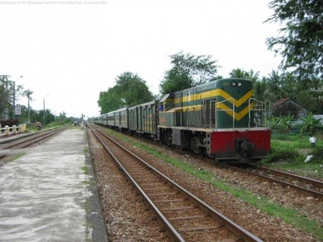 Cách chức lãnh đạo Đường sắt Việt Nam vì mua toa tàu cũ - ảnh 1