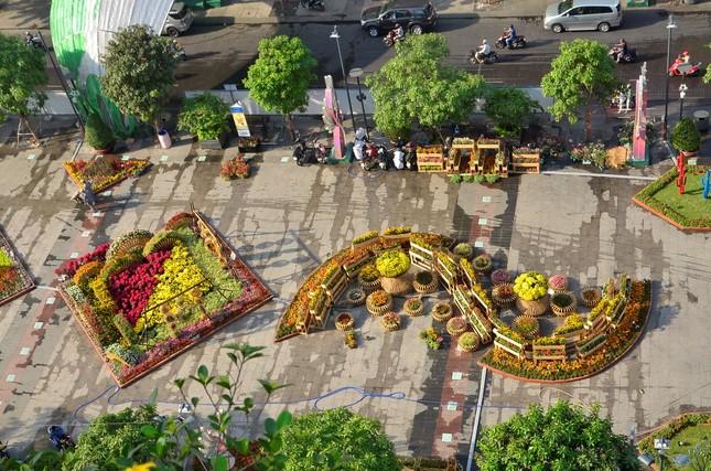 Hôm nay khai mạc đường hoa Tết Nguyễn Huệ tại TP.HCM - ảnh 2