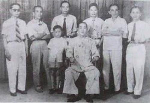 Bất ngờ khi sư tổ Vịnh Xuân Quyền Việt Nam là sư huynh Diệp Vấn - ảnh 1