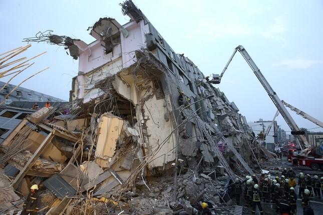 Đài Loan tan hoang sau trận động đất ngay trước thềm năm mới - ảnh 3