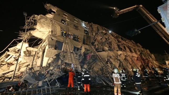 Đài Loan tan hoang sau trận động đất ngay trước thềm năm mới - ảnh 6