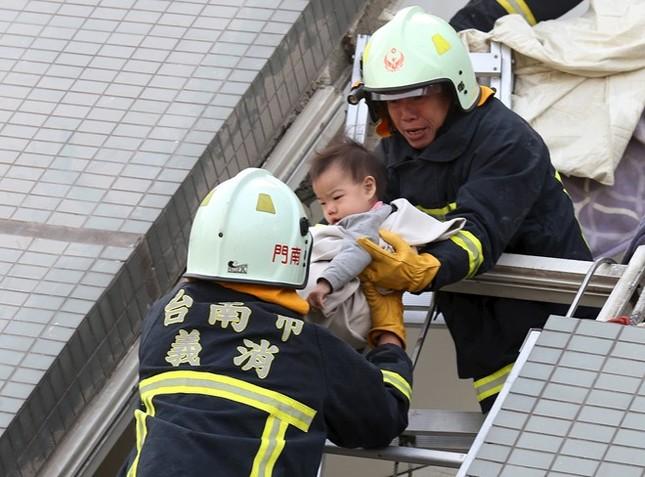 Đài Loan tan hoang sau trận động đất ngay trước thềm năm mới - ảnh 10