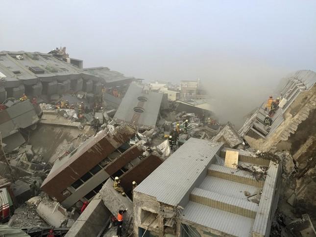 Đài Loan tan hoang sau trận động đất ngay trước thềm năm mới - ảnh 7