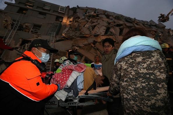Đài Loan tan hoang sau trận động đất ngay trước thềm năm mới - ảnh 9