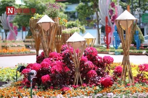 Đường hoa Nguyễn Huệ ngập tràn sắc xuân ngày khai hội - ảnh 16