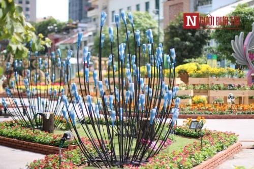 Đường hoa Nguyễn Huệ ngập tràn sắc xuân ngày khai hội - ảnh 17