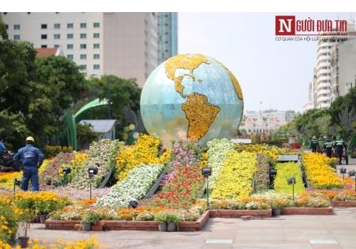 Đường hoa Nguyễn Huệ ngập tràn sắc xuân ngày khai hội - ảnh 31