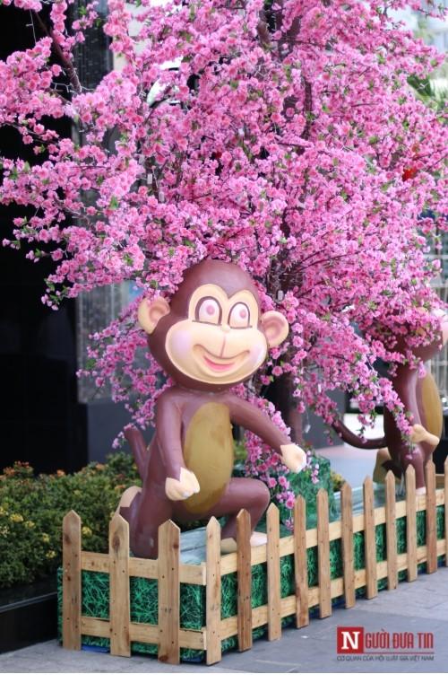 Đường hoa Nguyễn Huệ ngập tràn sắc xuân ngày khai hội - ảnh 32