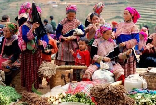 Độc đáo phiên chợ cuối năm ở vùng cao Hà Giang - ảnh 1