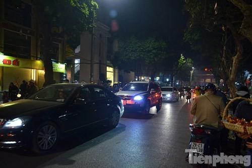 Người Hà Nội lễ chùa đầu năm mới Bính Thân 2016 - ảnh 10