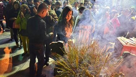 Người Hà Nội lễ chùa đầu năm mới Bính Thân 2016 - ảnh 2