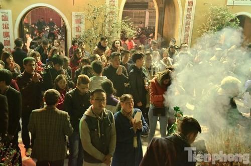 Người Hà Nội lễ chùa đầu năm mới Bính Thân 2016 - ảnh 3