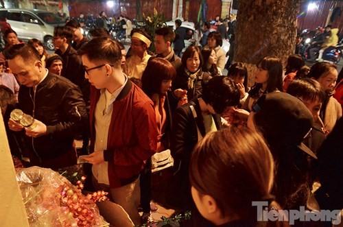 Người Hà Nội lễ chùa đầu năm mới Bính Thân 2016 - ảnh 6