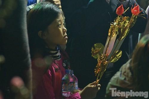 Người Hà Nội lễ chùa đầu năm mới Bính Thân 2016 - ảnh 7