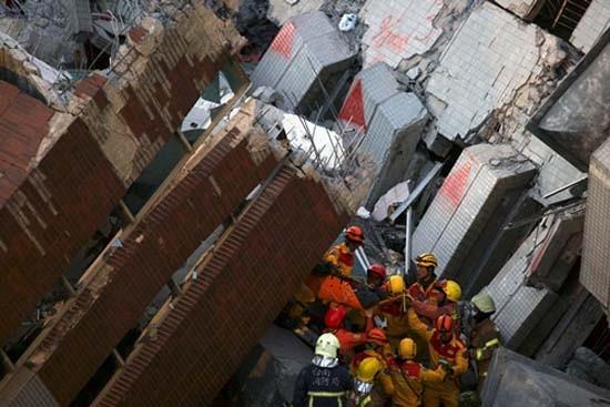 Bé gốc Việt được cứu sau 60 giờ kẹt trong động đất Đài Loan - ảnh 1