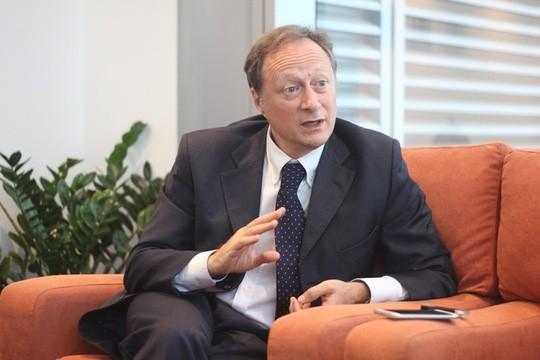Đại sứ EU kể chuyện làm rể Việt Nam  - ảnh 1