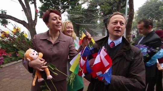 Đại sứ EU kể chuyện làm rể Việt Nam  - ảnh 3